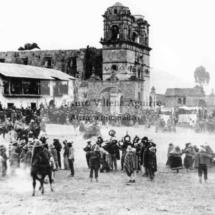 Chiqchischay paraschay en Runa turus de Santo Tomás, 1950