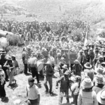 1960s-fiesta-y-trabajo-en-traslado-de-dinamo-para-la-planta-electrica-de-santo-tomas_result