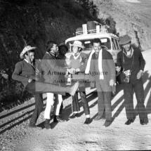 Jóvenes mestizos chumbivilcanos en viaje por carretera