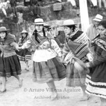 Baile femenino durante la Embajada Chumbivilcana
